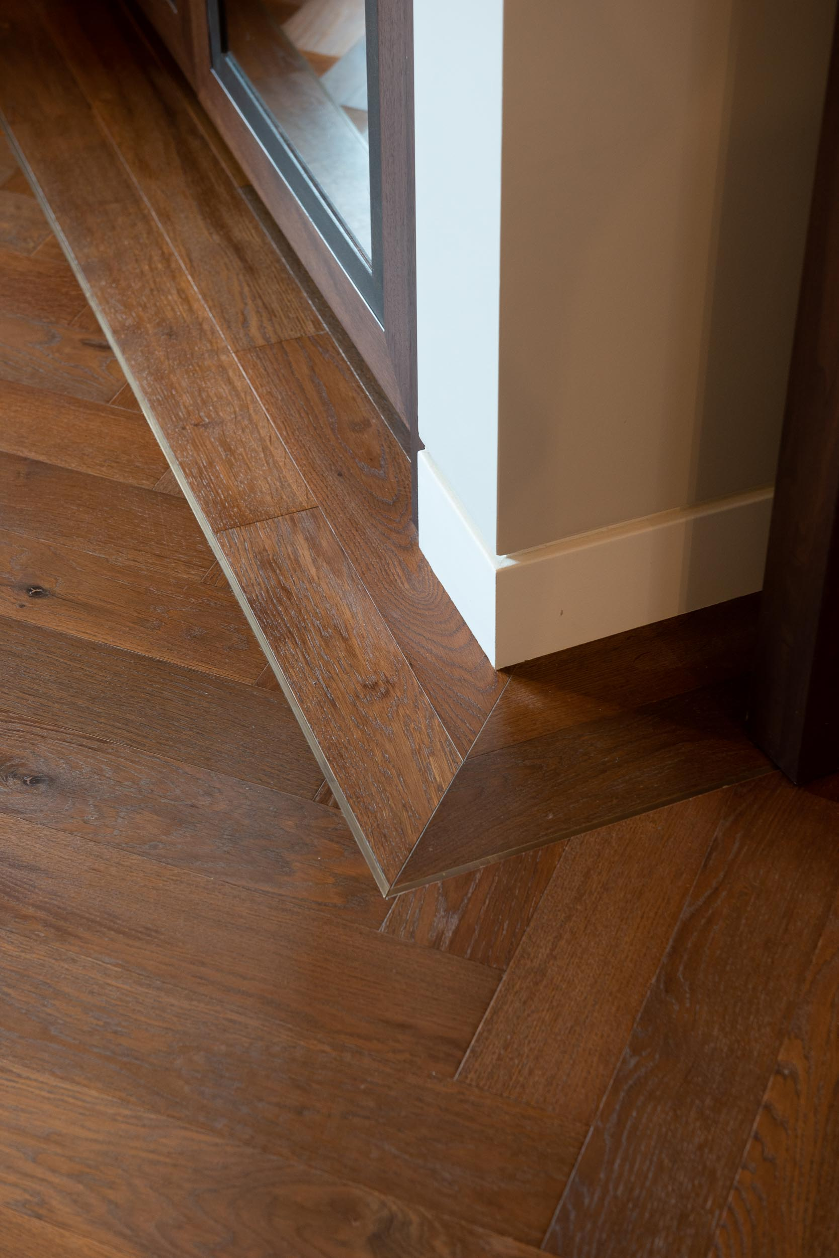 Medium Thermo Oak Oiled 2 line border with inset strip