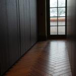 Audley Oak Herringbone in dressing room