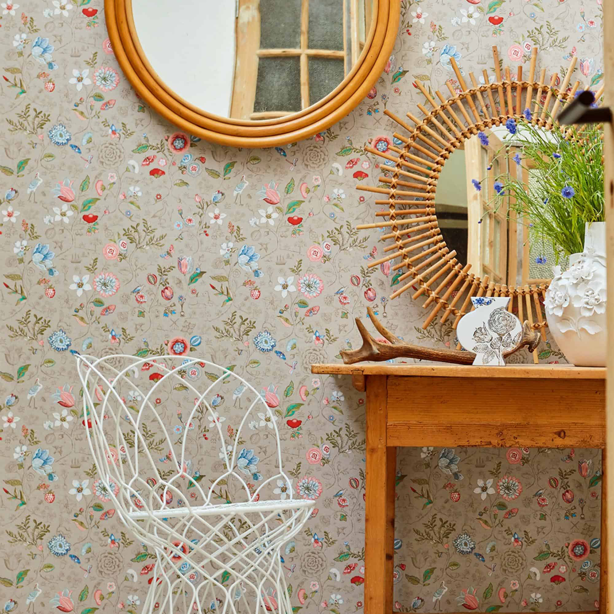 traditional wallpaper Pip Studio